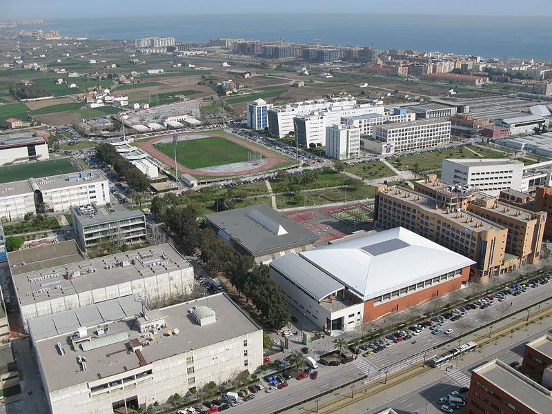 800px-UPV_zona_deportiva_Campus_de_Vera_desde_el_aire